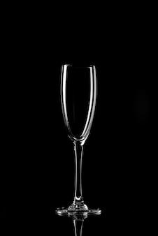 Силуэт стакана. пустой силуэт стекла