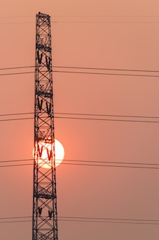 Силуэт высоковольтного электрического полюса структуры