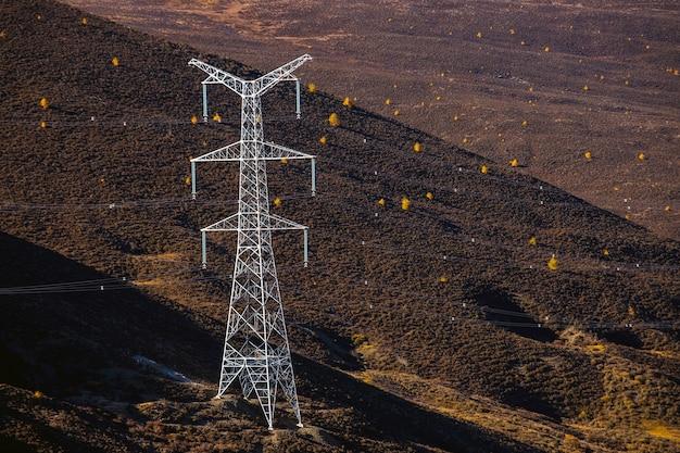 Силуэт структуры электрического полюса высокого напряжения