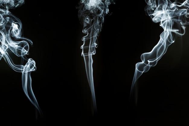 Sagome di fumo con forme a spirale