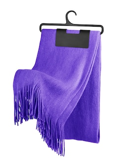 Шелковый шарф на плечиках
