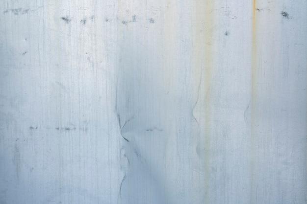 Серебряный металлический фон с полосами ржавчины металлическая текстура с копией пространства