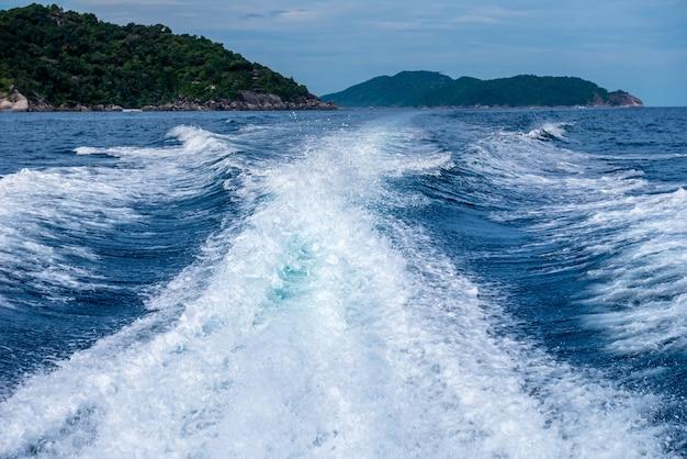 パンガー県シミラン諸島タイ南部の美しい海、