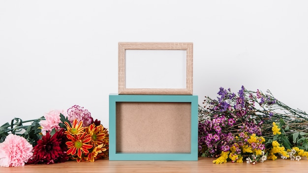 Simple arrangement of frames and blossoms