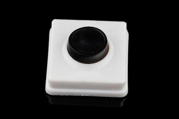 Простая черная кнопка нажмите крупным планом