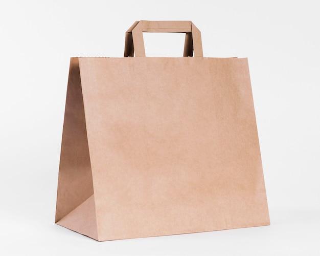 ショッピング用のシンプルな紙製キャリーバッグ