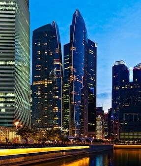 저녁에 싱가포르 시내