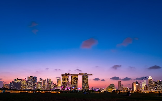Singapore, marina barrage, view of the city and buildings at dusk.