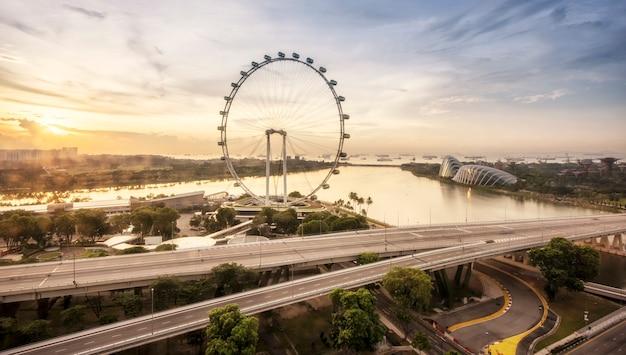 아침에 싱가포르 스카이 라인