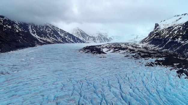 アイスランドのヴァトナヨークトル国立公園、スカフタフェル氷河。