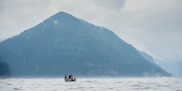漁船、skeena-queenシャーロット地域地区、ヒッパ島、ハイダ・グワイ、グラハム・アイの眺め