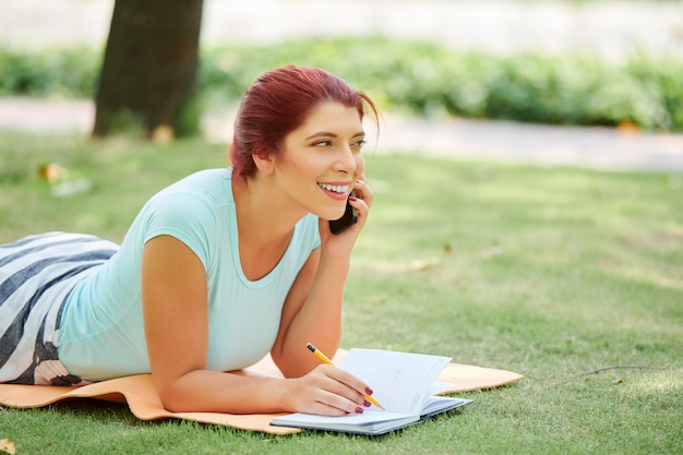 Sketching woman talking on phone