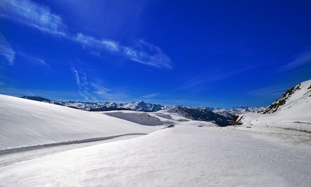 Ski spot resort in aran valley