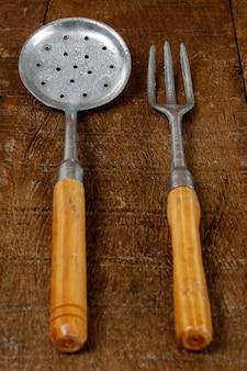 スキマーと鋳造アルミフォーク