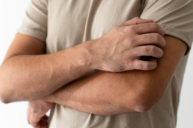 腕の皮膚アレルギー反応試験