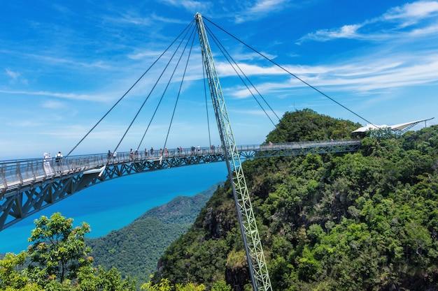 Символ небесного моста на острове лангкави