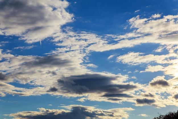 Небо облака, небо с облаками и солнце небо облака