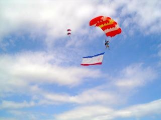 Skydivers , male