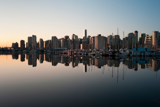 Skyline at dusk in vancouver, british columbia, canada