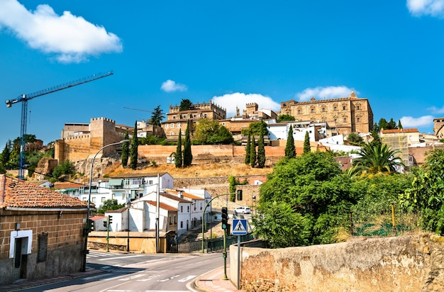 Extremadura에 있는 caceres의 스카이라인. 스페인의 유네스코 세계 유산