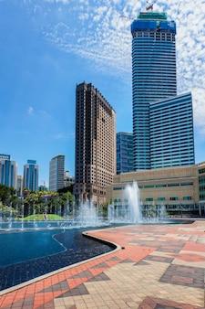 Skyline центрального делового района куала-лумпур, малайзия