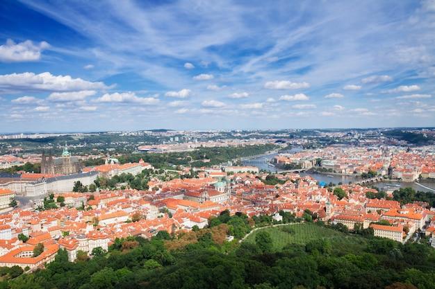 Горизонт праги сверху, чешская республика