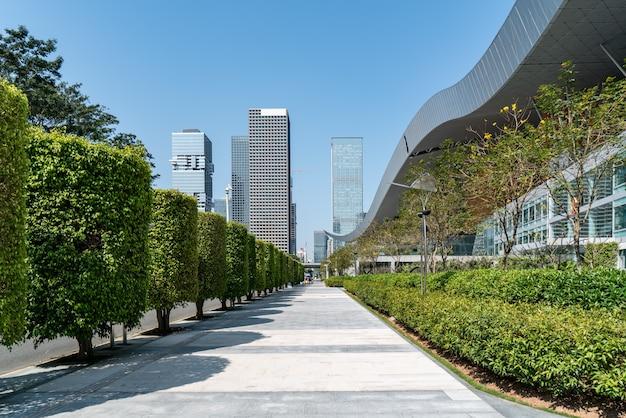 中国、深センの都市建築のスカイライン