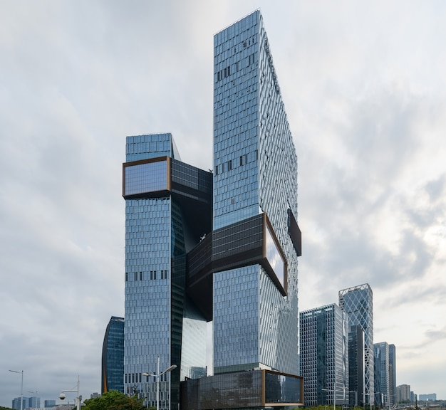 The skyscraper is in shenzhen, china