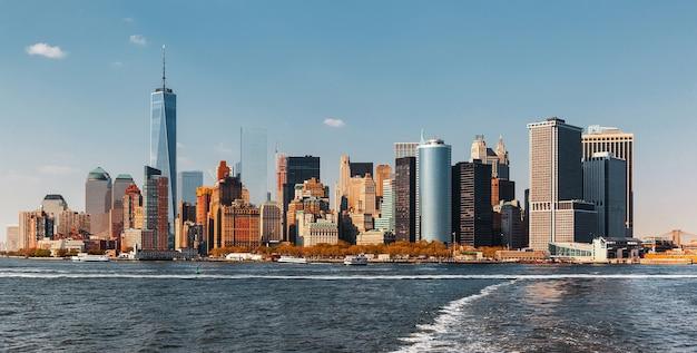 맨해튼의 고층 빌딩과 건물. 맨해튼과 뉴욕시 건축