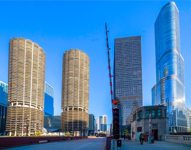 シカゴのダウンタウン、マリーナシティ、バートランドゴールドバーグ、トランプの高層ビル