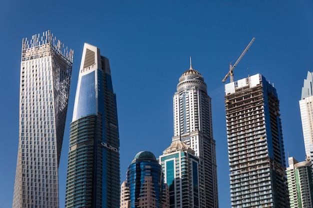 두바이 마리나의 고층 빌딩.