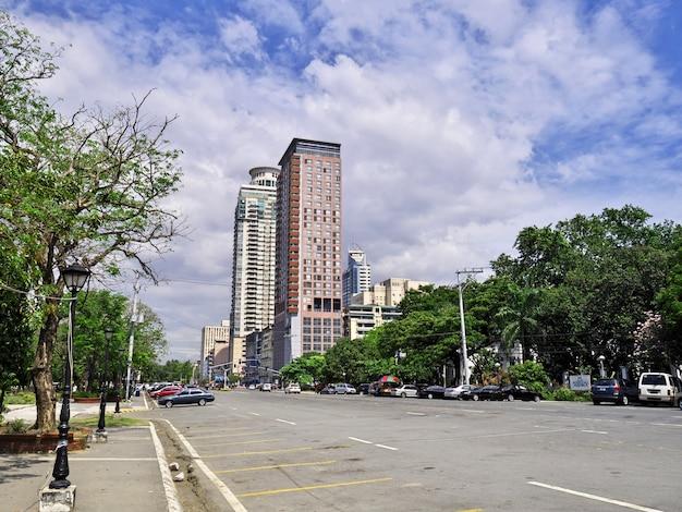 Небоскребы в городе манила, филиппины