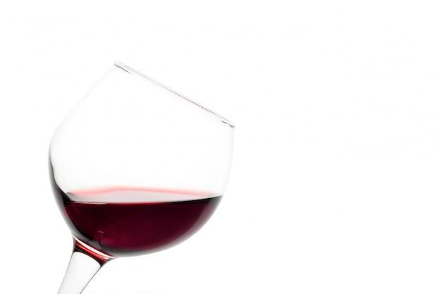 赤ワインの傾斜ガラス