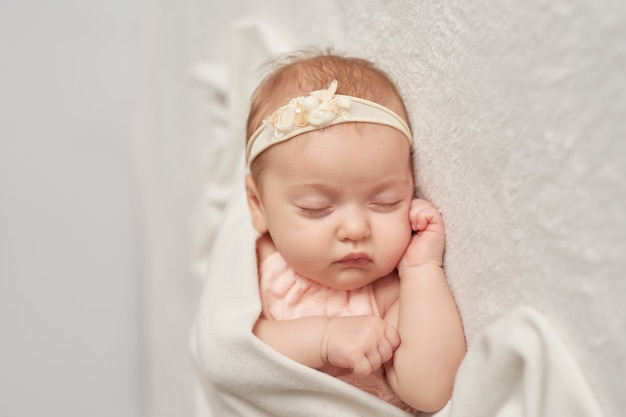 Sleeping baby 3 months on a light
