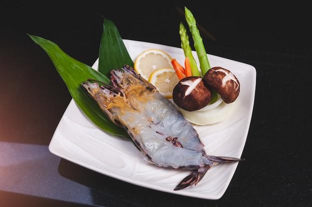 Slice tiger prawn set in teppanyaki