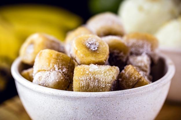 아이스크림, 비타민 또는 과자의 재료로 사용되는 슬라이스 및 냉동 바나나