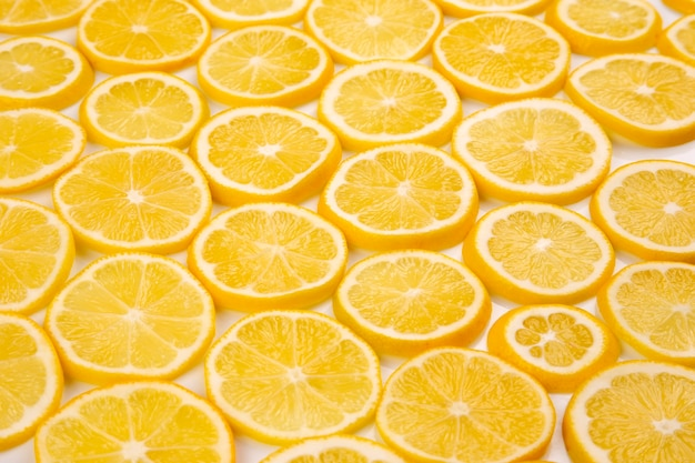 빛에 감귤 레몬 반 슬라이스