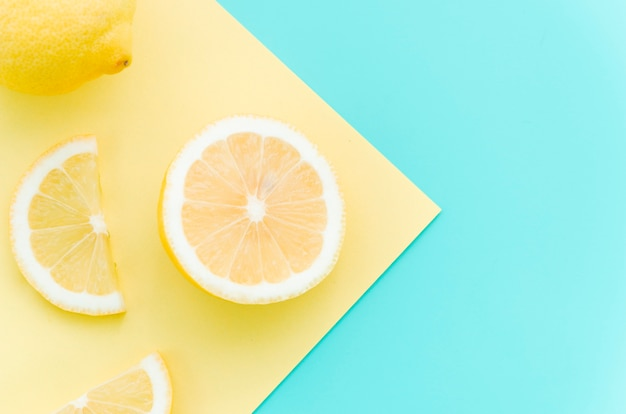 Sliced fresh lemon on table