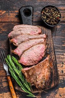Нарезанный стейк из ростбифа, три кончика филе, барбекю