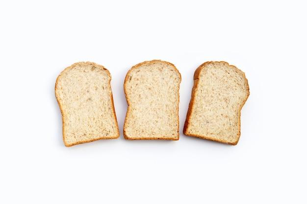 全粒粉パンをスライスしました。 Premium写真