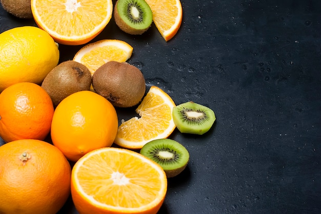 Slices kiwi and orange, top view
