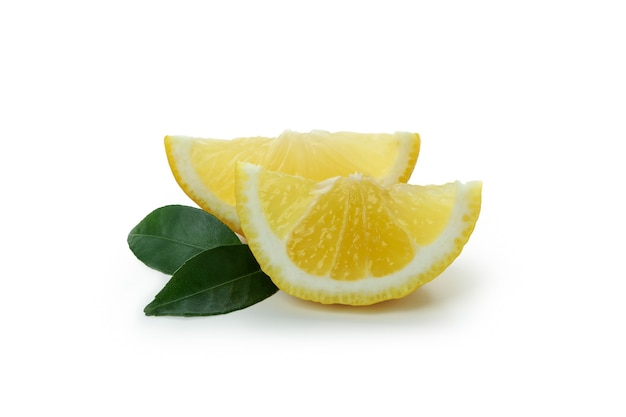 레몬 조각 흰색 절연