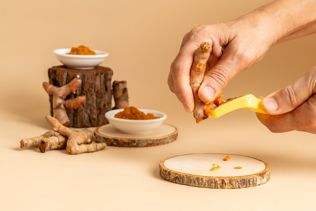 Slicing fresh turmeric