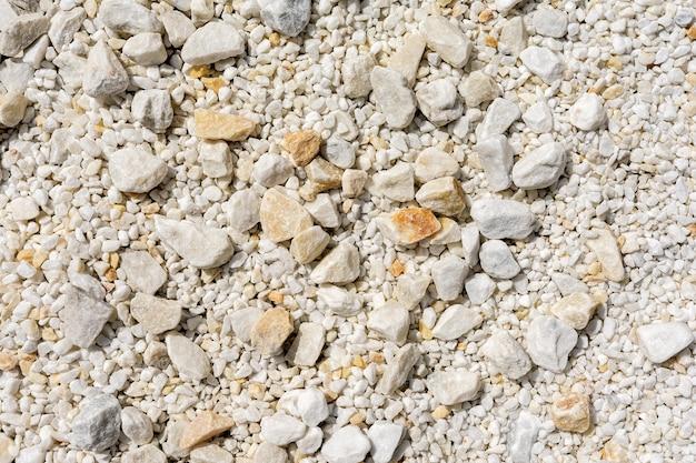 Мелкая и крупная мраморная крошка как декоративный фон