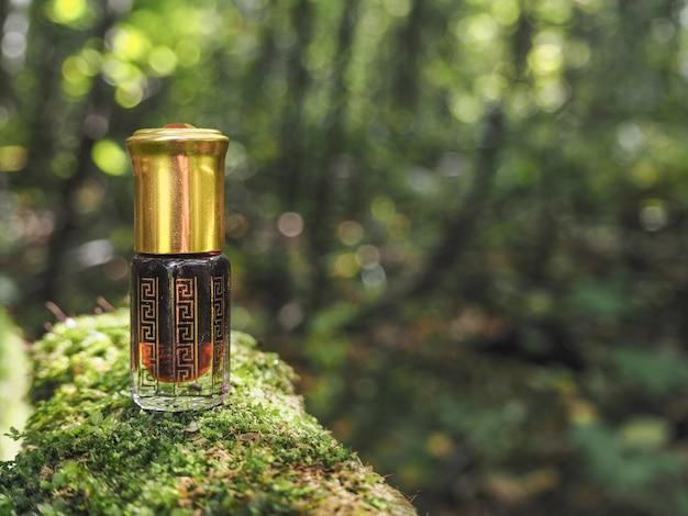 沈香油の小瓶