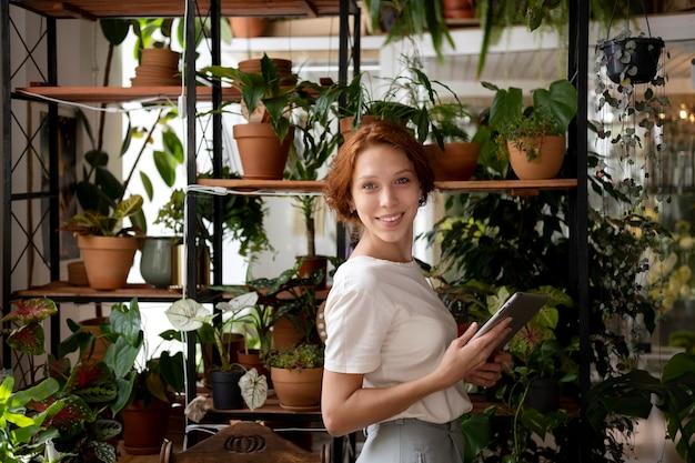 彼女のワークショップで中小企業のマネージャー
