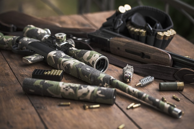 小口径22ロングライフルと二連式狩猟用ライフル