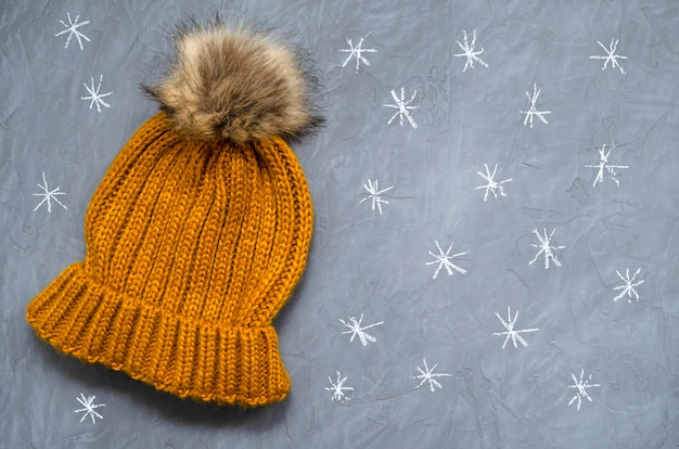 Small cute knitted warm woolen hat