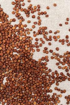 Мелкие зерна бобовых семян фасоли