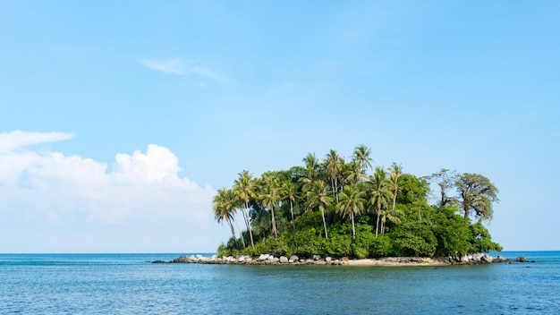 Small island in tropical andaman sea beautiful landscapes nature view in phuket